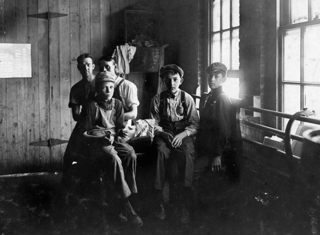 Lewis Hine'dan Çocuk Emeği Sömürüsü Üzerine